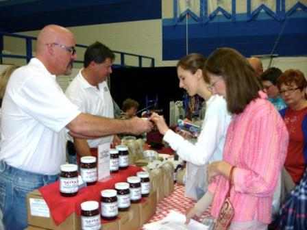 Happy Customers at 2011 LD Bell Craft Show